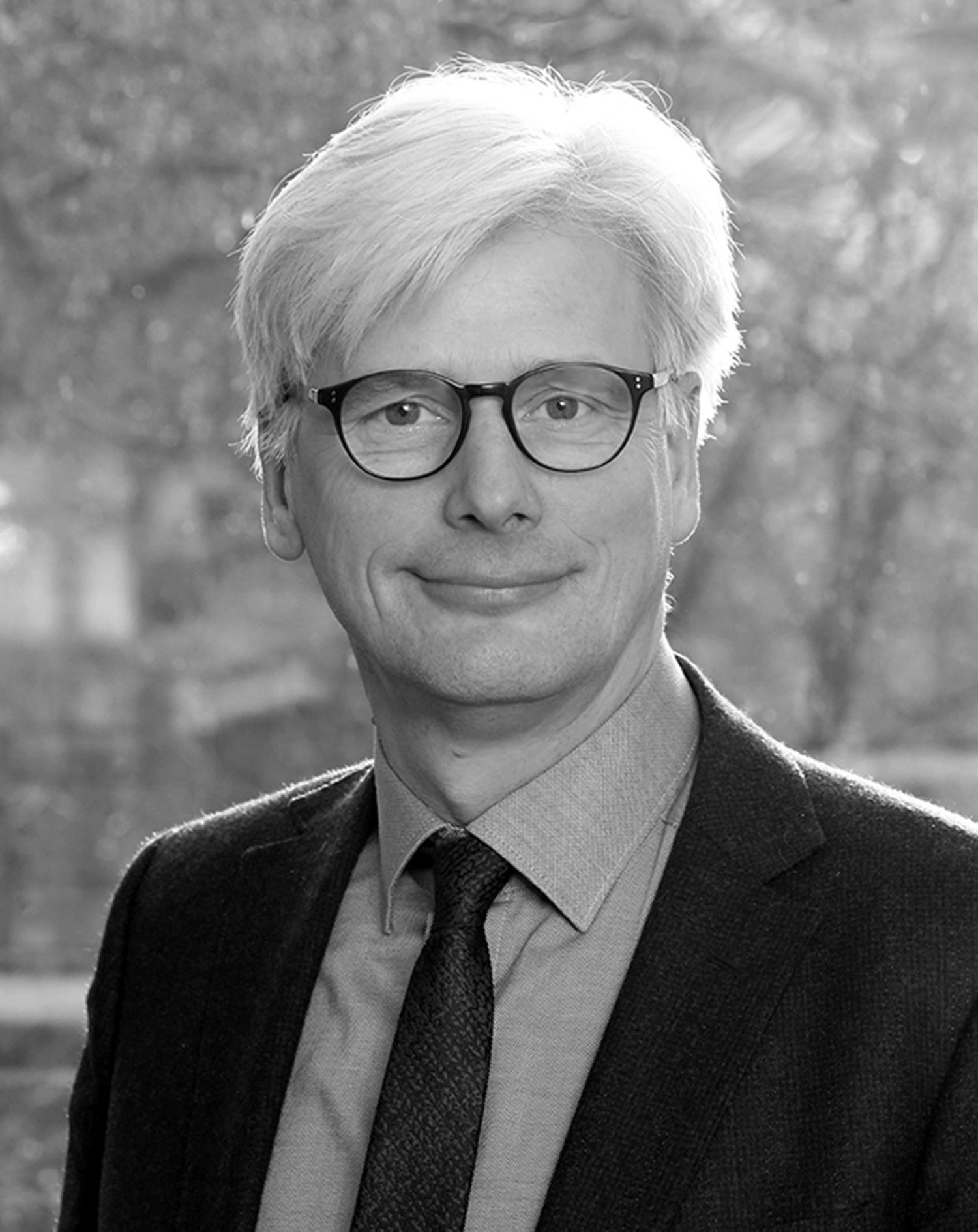 Dr. Martin Siebert