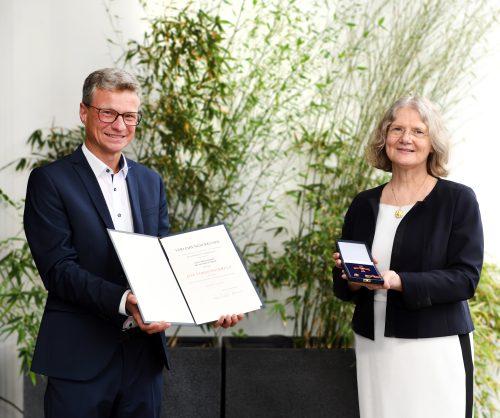 Bundesverdienstkreuz Monika Führer